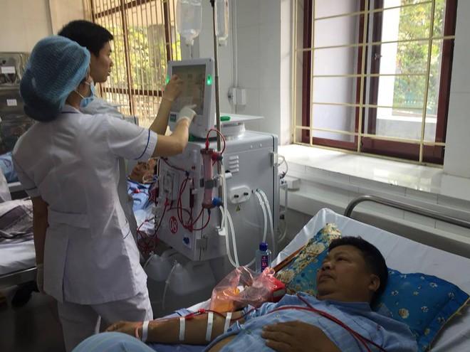 Đơn nguyên thận nhân tạo tại bệnh viện Đa khoa tỉnh Hòa Bình hoạt động trở lại - Ảnh 7.