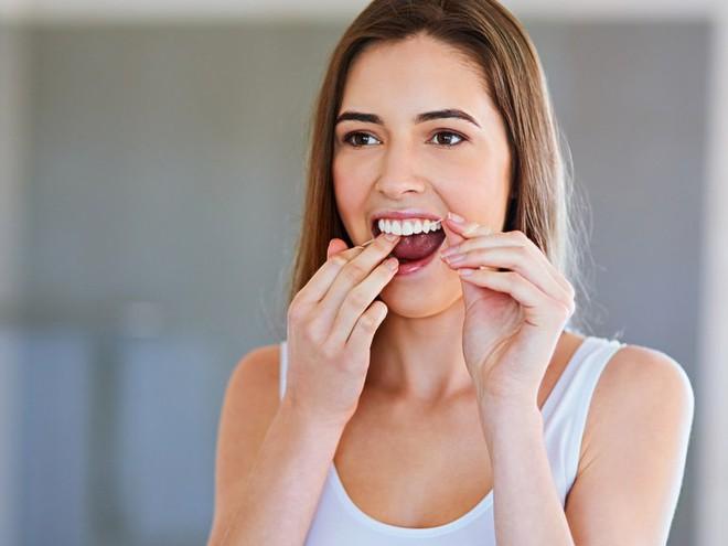 Lưỡi của bạn có thể rất bẩn cùng vô số vi khuẩn và đây là cách làm sạch chúng - Ảnh 5.