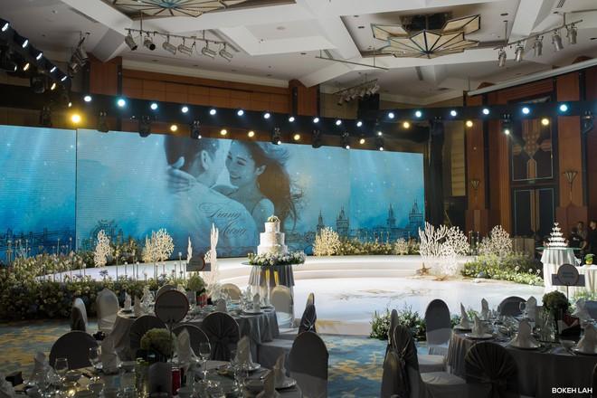 Cận cảnh đám cưới kỳ công xanh màu đại dương của Shark Hưng (Thương vụ bạc tỷ) và cô dâu Á hậu - Ảnh 6.