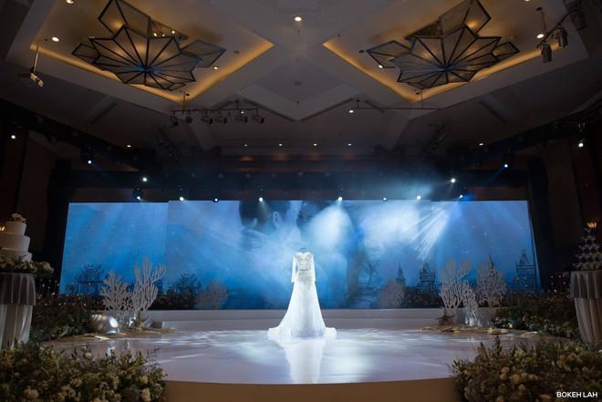 Cận cảnh đám cưới kỳ công xanh màu đại dương của Shark Hưng (Thương vụ bạc tỷ) và cô dâu Á hậu - Ảnh 9.
