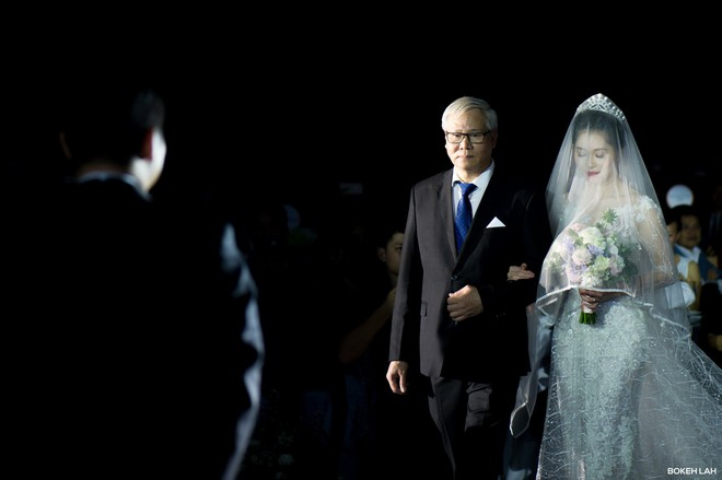 Cận cảnh đám cưới kỳ công xanh màu đại dương của Shark Hưng (Thương vụ bạc tỷ) và cô dâu Á hậu - Ảnh 11.