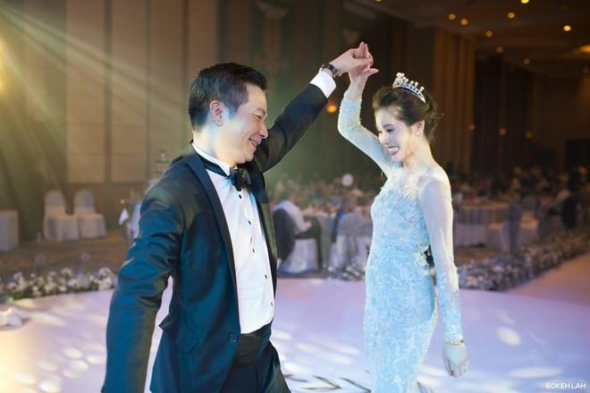 Cận cảnh đám cưới kỳ công xanh màu đại dương của Shark Hưng (Thương vụ bạc tỷ) và cô dâu Á hậu - Ảnh 20.