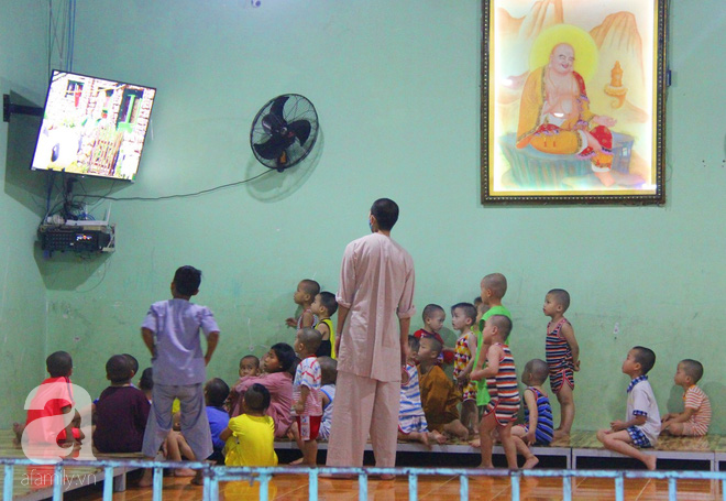 Tình hình hiện tại của bé não úng thủy Đức Lộc cùng với hơn 100 đứa trẻ bị bố mẹ bỏ rơi ở mái ấm Đức Quang - Ảnh 8.