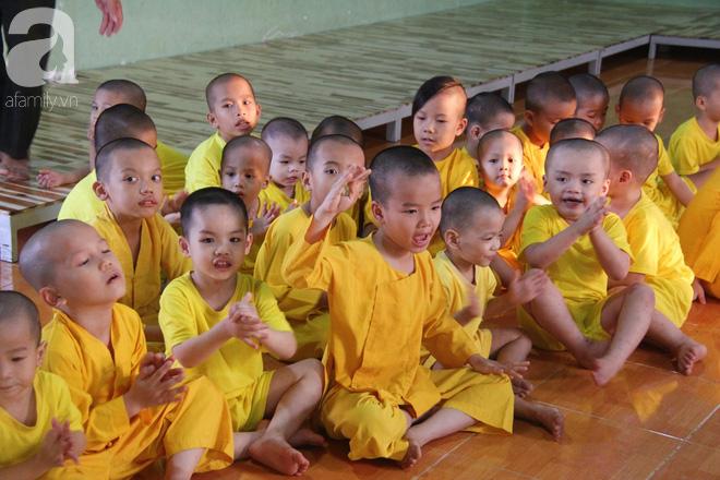 Tình hình hiện tại của bé não úng thủy Đức Lộc cùng với hơn 100 đứa trẻ bị bố mẹ bỏ rơi ở mái ấm Đức Quang - Ảnh 7.