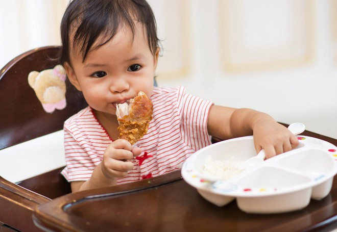 Chuyên gia dinh dưỡng hướng dẫn cách bổ sung chất đạm để trẻ phát triển tốt nhất - Ảnh 2.