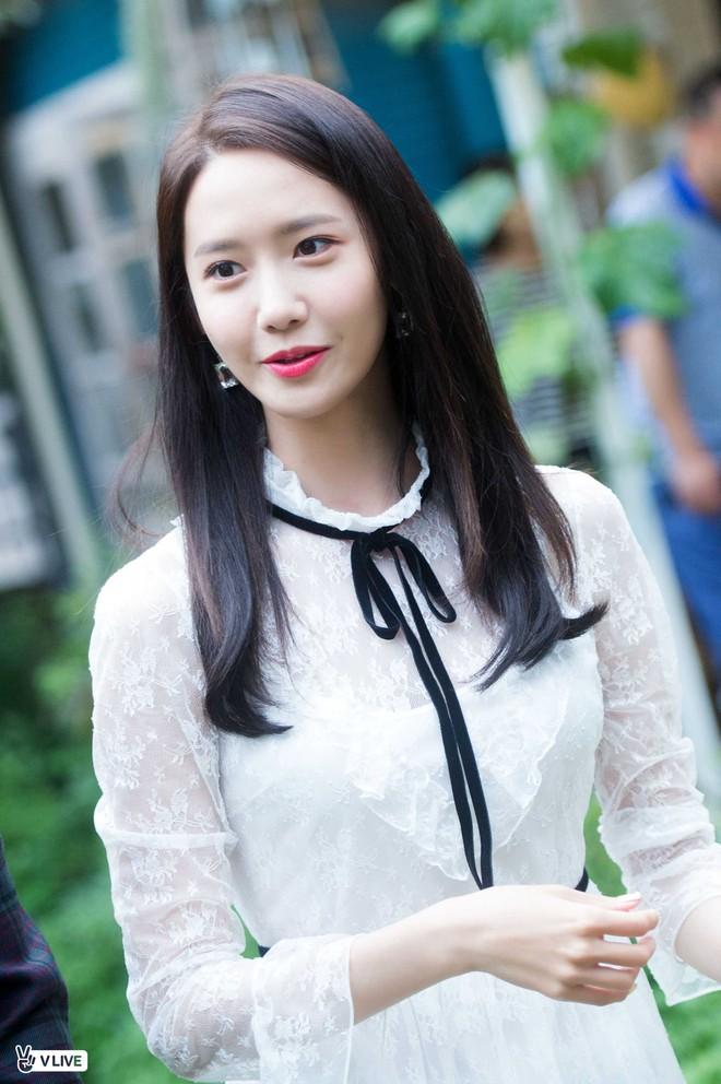 Cặp đôi cực phẩm Yoona và Park Bo Gum: Tình cờ nhiều lần như định mệnh, tình ý bùng nổ còn hơn phim - Ảnh 3.