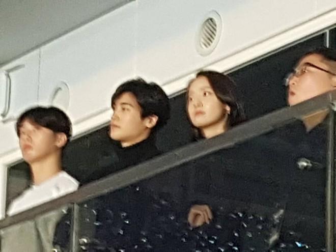 Cặp đôi cực phẩm Yoona và Park Bo Gum: Tình cờ nhiều lần như định mệnh, tình ý bùng nổ còn hơn phim - Ảnh 33.