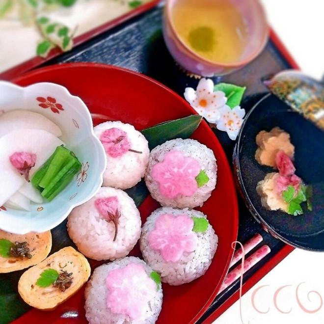 11 món ngon đẹp đến không nỡ ăn rất phổ biến trong mùa hoa anh đào Nhật Bản - Ảnh 8.