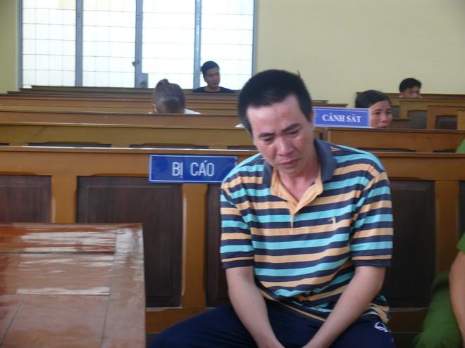 Cà Mau: Hai con nhỏ bơ vơ trong ngày bố ra tòa vì mua xăng về đốt mẹ do ghen tuông mù quáng - Ảnh 3.
