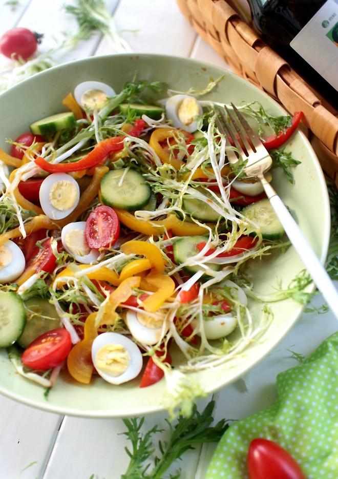 Giảm cân hiệu quả, làm đẹp làn da với món salad tổng hợp siêu ngon - Ảnh 5.