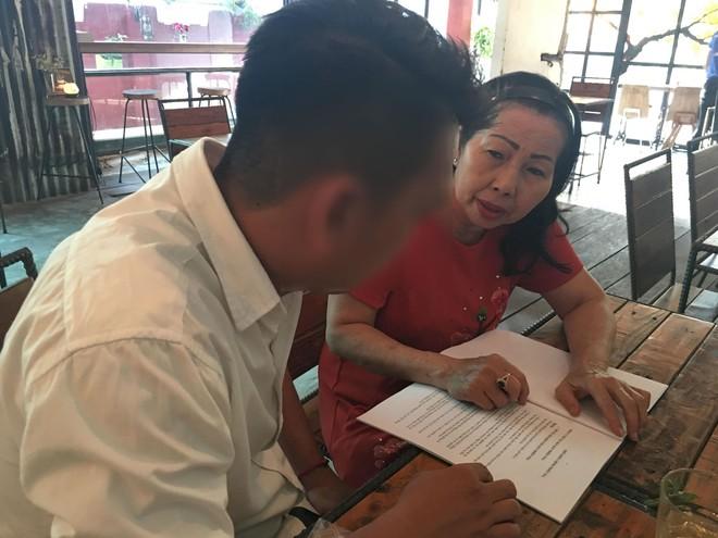 Luật sư Trần Thị Ngọc Nữ cho biết Hội Bảo vệ Quyền trẻ em TP.HCM sẽ cố gắng hỗ trợ hết sức để bảo vệ quyền lợi cho bé A.