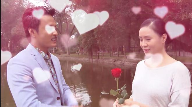 Cười ngặt nghẽo vì màn tặng hoa bất ngờ của Hồng Đăng nhân ngày 8/3 khi đang diễn cảnh nghiêm túc chảy nước mắt với Hồng Diễm - Ảnh 3.