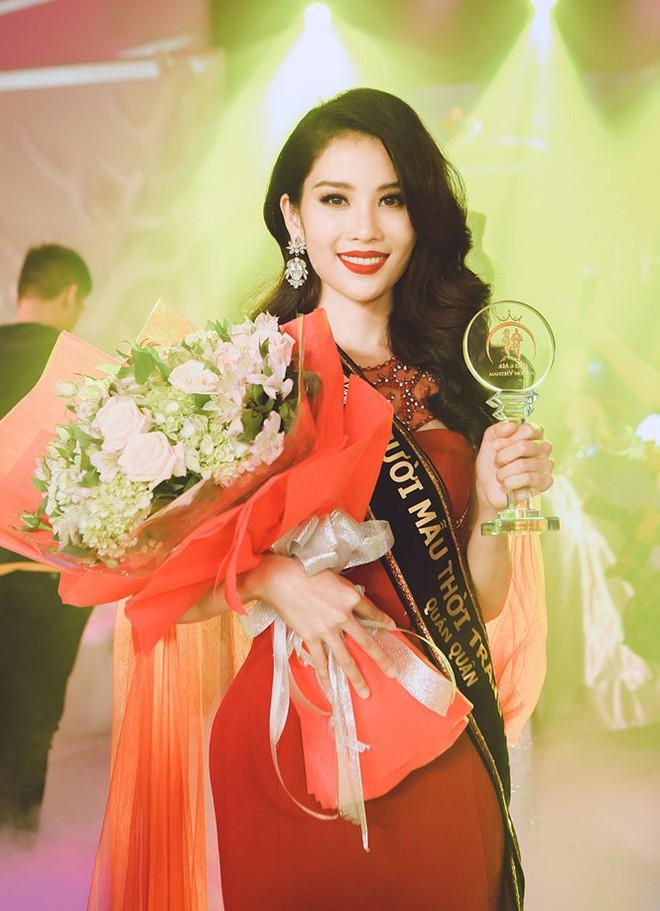 Chị gái song sinh của Nam Em bất ngờ đăng quang cuộc thi Người mẫu thời trang Việt Nam 2018 - Ảnh 2.
