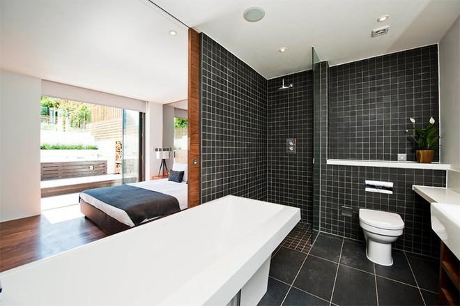 18 kiểu phòng tắm tích hợp phòng ngủ đẹp không khác gì khách sạn - Ảnh 17.