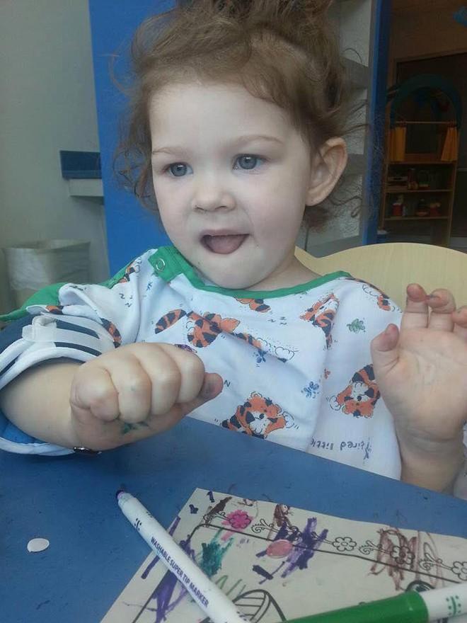 Thấy con gái mới 2 tuổi đã dậy thì, bà mẹ hốt hoảng đưa con đến gặp bác sĩ và không ngờ đó là dấu hiệu cứu con khỏi tay tử thần - Ảnh 6.