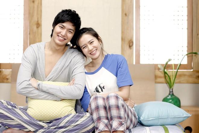 2 mỹ nhân cùng tuổi Son Ye Jin và Han Ga In: Nữ thần U40 vẫn chưa chịu kết hôn và nàng ngọc nữ sớm theo chồng nhưng không bỏ cuộc chơi - Ảnh 15.