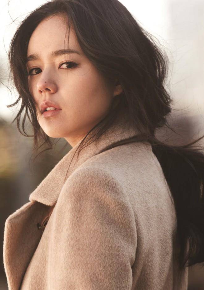 2 mỹ nhân cùng tuổi Son Ye Jin và Han Ga In: Nữ thần U40 vẫn chưa chịu kết hôn và nàng ngọc nữ sớm theo chồng nhưng không bỏ cuộc chơi - Ảnh 21.