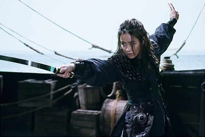 2 mỹ nhân cùng tuổi Son Ye Jin và Han Ga In: Nữ thần U40 vẫn chưa chịu kết hôn và nàng ngọc nữ sớm theo chồng nhưng không bỏ cuộc chơi - Ảnh 9.