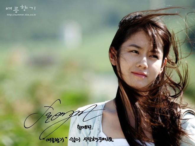 2 mỹ nhân cùng tuổi Son Ye Jin và Han Ga In: Nữ thần U40 vẫn chưa chịu kết hôn và nàng ngọc nữ sớm theo chồng nhưng không bỏ cuộc chơi - Ảnh 10.