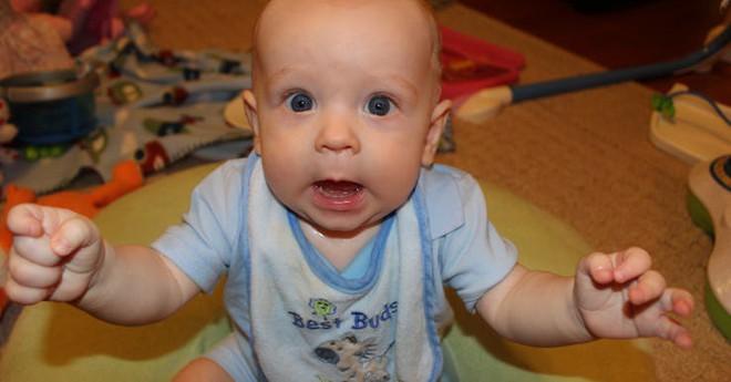 Những điều trẻ sơ sinh đã nhận biết ngay trong tháng đầu lọt lòng mẹ - Ảnh 7.