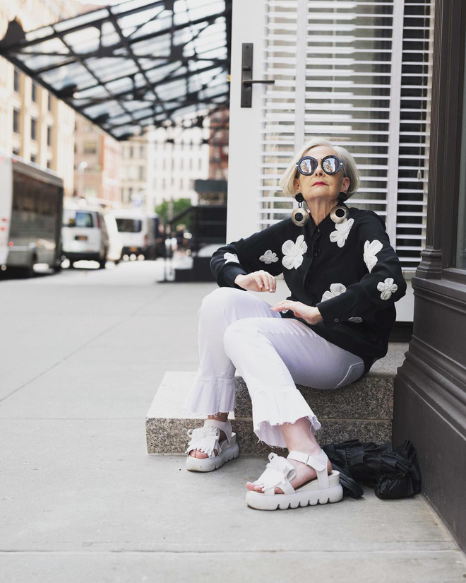 Cụ bà trở thành biểu tượng thời trang tuổi 64 và câu chuyện danh tiếng ập đến theo cách không thể ngờ tới - Ảnh 11.
