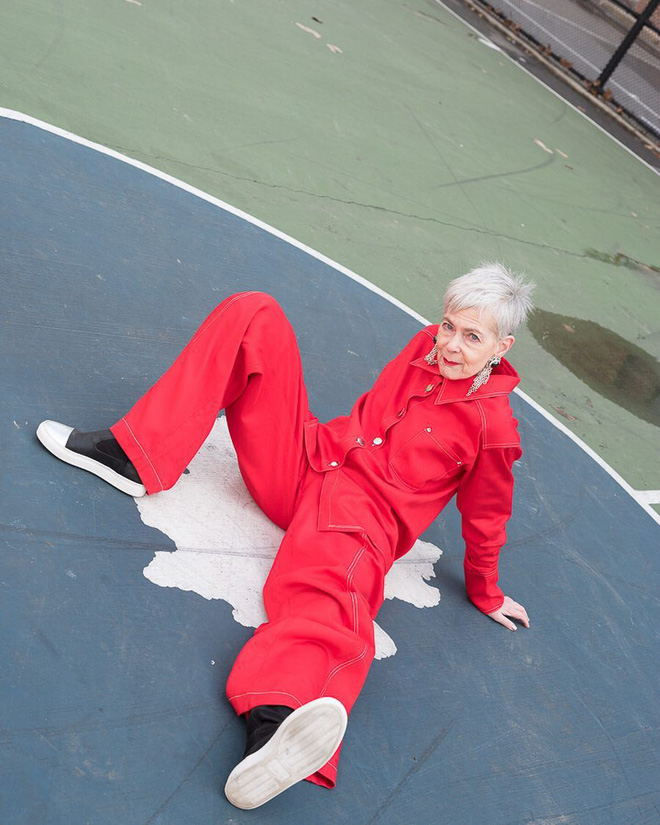 Cụ bà trở thành biểu tượng thời trang tuổi 64 và câu chuyện danh tiếng ập đến theo cách không thể ngờ tới - Ảnh 9.