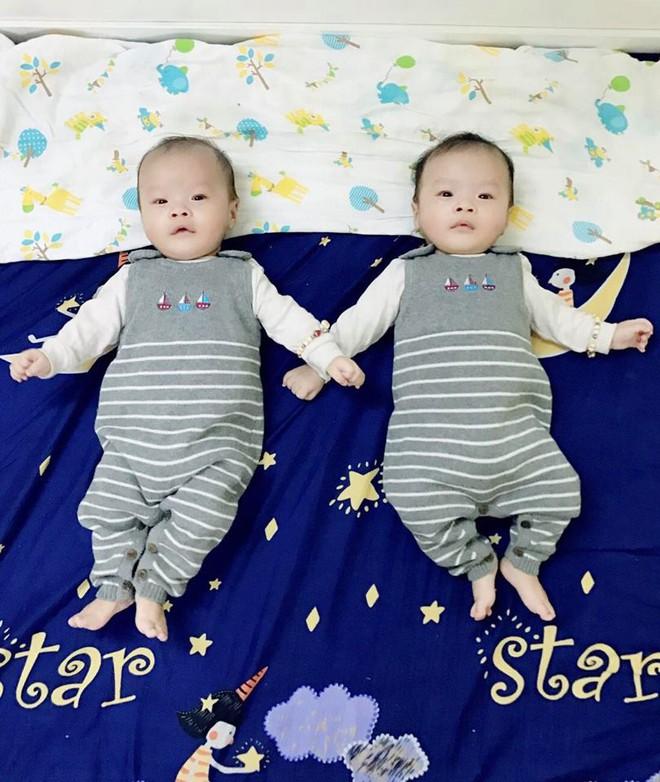 Kinh nghiệm kích sữa từ lúc chỉ láng đáy bình cho đến khi đủ sữa cho 2 bé sinh đôi bú cùng lúc - Ảnh 7.