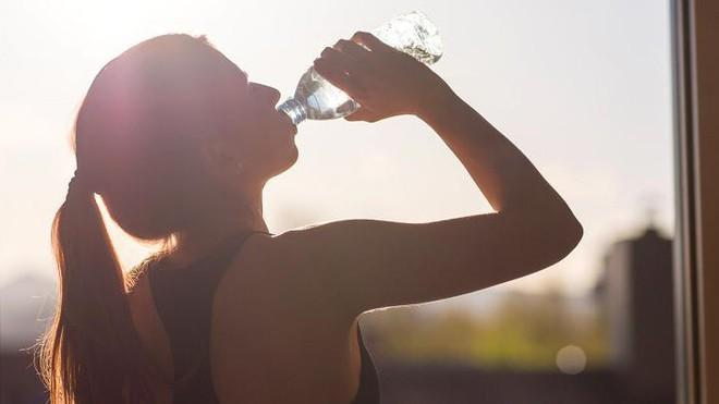 Hơi thở có mùi là dấu hiệu cảnh báo vấn đề sức khỏe gì? - Ảnh 1.