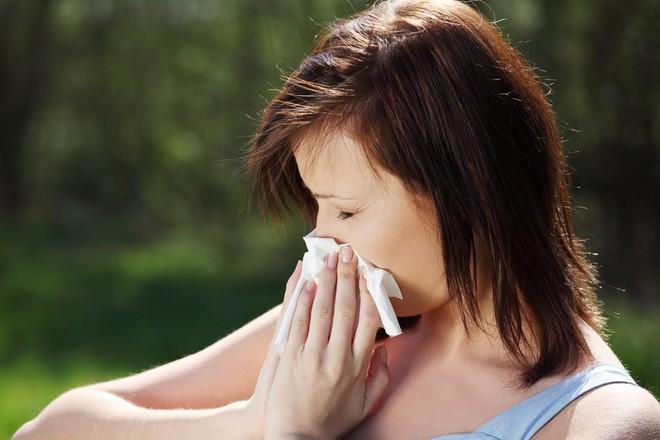 Hơi thở có mùi là dấu hiệu cảnh báo vấn đề sức khỏe gì? - Ảnh 4.
