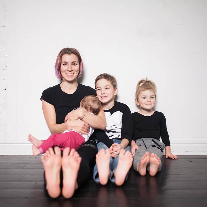 Bà mẹ 3 con chia sẻ bí quyết lấy lại vóc dáng cực nhanh và hiệu quả sau khi sinh - Ảnh 1.