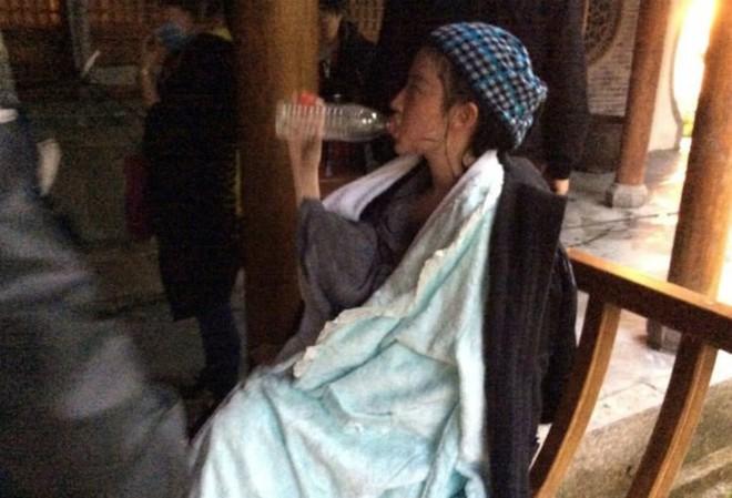 Xót xa trước cảnh Lưu Diệc Phi kiệt sức, gầy tong teo trên phim trường - Ảnh 2.