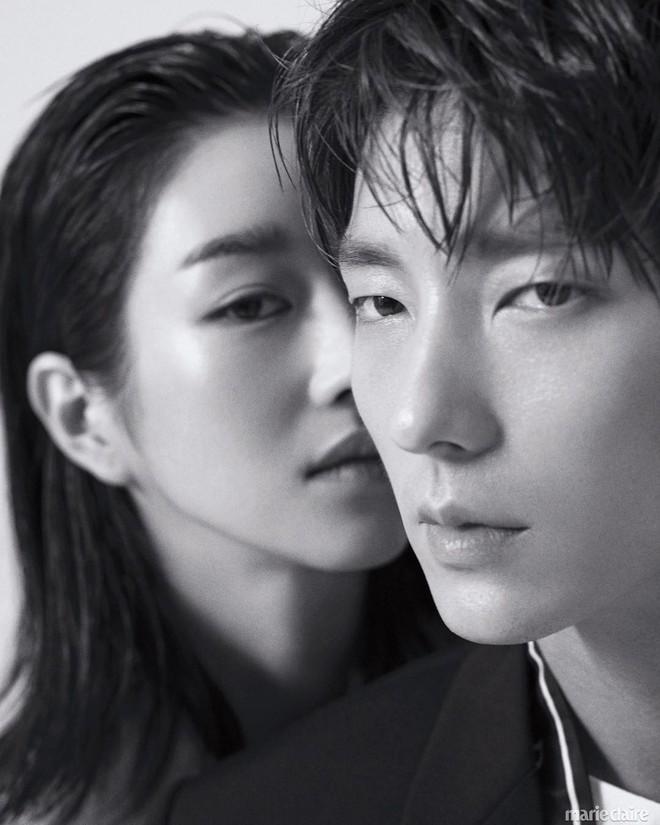 Khác một trời một vực với ảnh tạp chí, tài tử Lee Jun Ki gây hốt hoảng với cằm nhọn nhô ra như lưỡi cày - Ảnh 18.