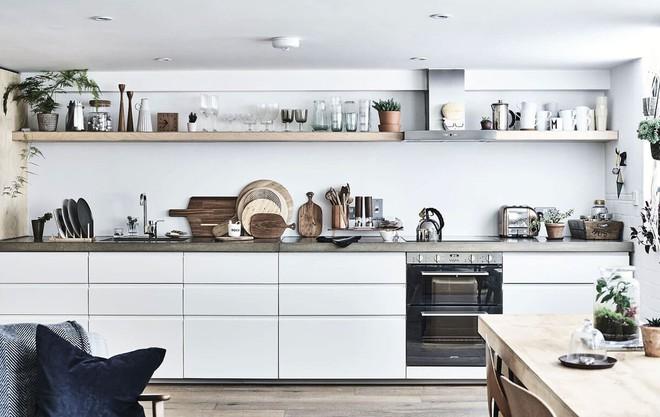 Những căn bếp với diện tích chưa đến 10m² nhưng nhờ sử dụng gam màu này lại trở nên rộng thênh thang và đẹp bất ngờ - Ảnh 10.