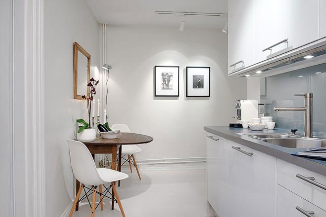 Những căn bếp với diện tích chưa đến 10m² nhưng nhờ sử dụng gam màu này lại trở nên rộng thênh thang và đẹp bất ngờ - Ảnh 5.