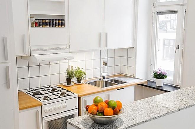 Những căn bếp với diện tích chưa đến 10m² nhưng nhờ sử dụng gam màu này lại trở nên rộng thênh thang và đẹp bất ngờ - Ảnh 3.