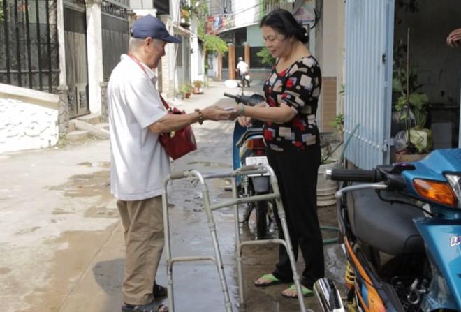 Chuyện về nghệ sĩ 86 tuổi vẫn đi bán vé số khiến Trấn Thành - Cẩm Ly xúc động mạnh  - Ảnh 4.