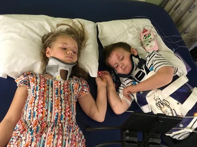 Hai chị em lần đầu gặp nhau sau tai nạn giao thông thảm khốc nhưng đó vẫn chưa phải là toàn bộ bi kịch của gia đình này - Ảnh 1.