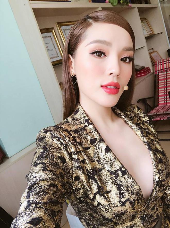 3 người đẹp sàn sàn tuổi nhau: Kỳ Duyên, Angela Phương Trinh và Nam Em: sau những nghi án thẩm mỹ liên tiếp, hiện giờ nhan sắc ra sao - Ảnh 4.