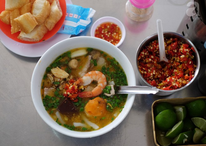 Đi một vòng Sài Gòn ghé 6 quán bánh canh siêu ngon mà giá bình dân, ăn một lần là thương nhớ - Ảnh 9.
