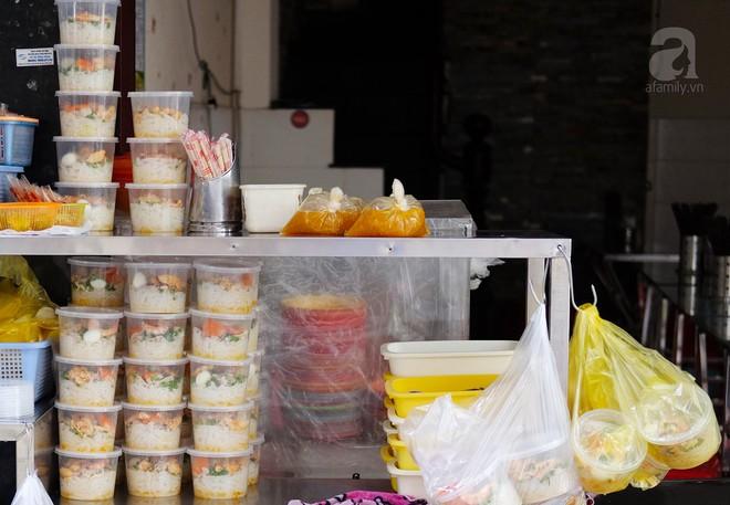 Đi một vòng Sài Gòn ghé 6 quán bánh canh siêu ngon mà giá bình dân, ăn một lần là thương nhớ - Ảnh 13.