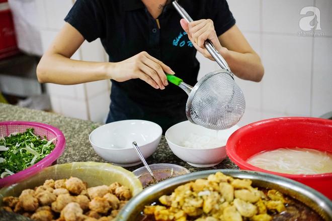 Đi một vòng Sài Gòn ghé 6 quán bánh canh siêu ngon mà giá bình dân, ăn một lần là thương nhớ - Ảnh 26.