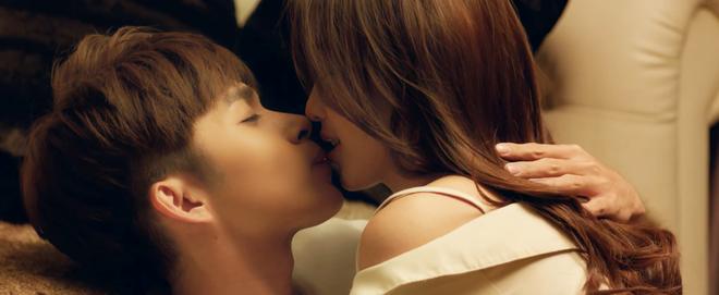 Jun Phạm - Khả Ngân khóa môi tình tứ trong trailer phim mới đậm chất ngôn tình - Ảnh 2.