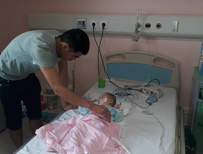 Ninh Bình: Bé gái 9 tháng tuổi ngất lịm, toàn thân con tôi tím tái sau mũi tiêm của y sĩ - Ảnh 5.