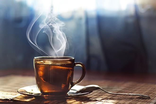 Trà và cà phê, thức uống nào có lợi cho tim hơn và câu trả lời của các chuyên gia sức khỏe - Ảnh 1.