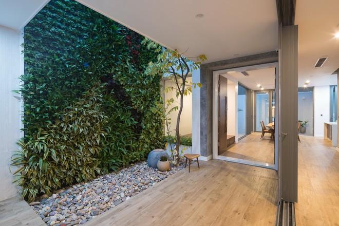 Ngôi nhà mọi không gian đều xanh, sạch, đẹp đến đáng ước ao ở khu đô thị đắt đỏ nhất nhì Hà Nội - Ảnh 2.