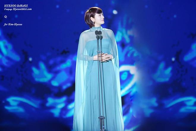 Chị đại Kim Hye Soo: Gái ế đắt giá của showbiz Hàn, chẳng cần bên ai cũng tự mình tỏa hương - Ảnh 10.