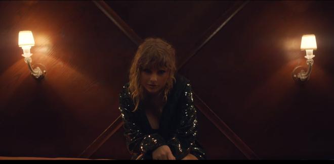 Ed Sheeran - Taylor Swift khiến fan ghen tị vì quá mức thân thiết trong MV mới - Ảnh 9.