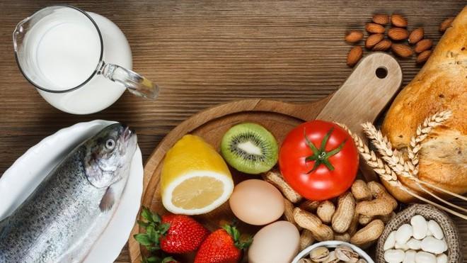 Chẳng may bị dị ứng thực phẩm cần phải làm gì ngay để ngăn chặn kịp thời? - Ảnh 2.