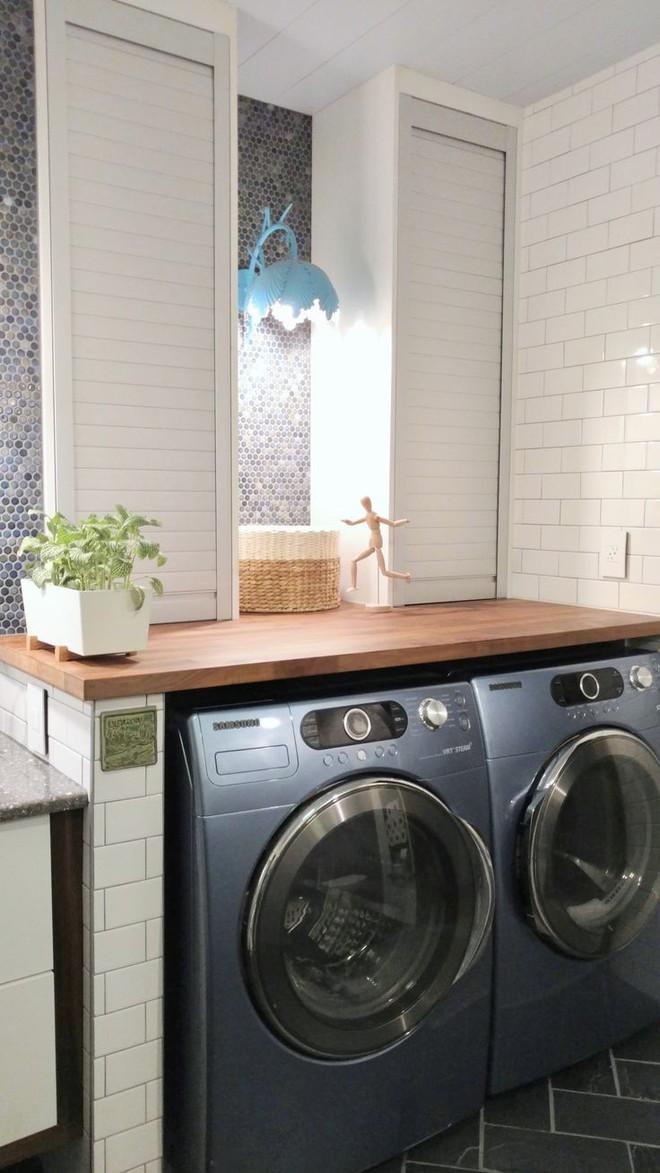 Mua căn nhà bỏ hoang 30 năm, cô gái tự tay cải tạo phòng tắm đẹp đến ngỡ ngàng - Ảnh 2.