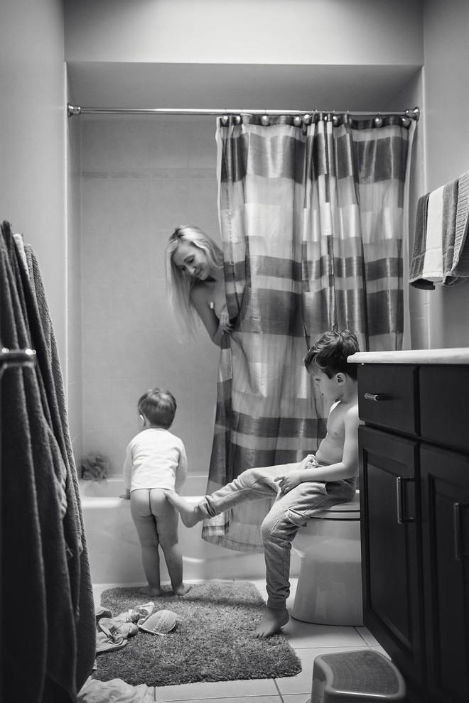 Những bức ảnh lột tả chân thực nhất: Làm mẹ là thế này đây! - Ảnh 10.